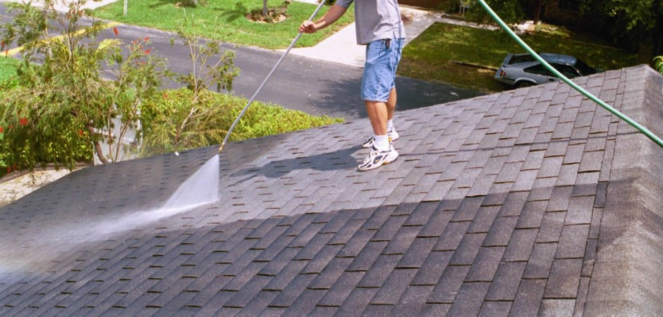 Complete Roof And Gutter Clearing And Cleaning Service